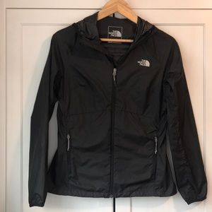 The north face women's windbreaker jacket black